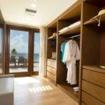 beachfront-suite-closet-fp