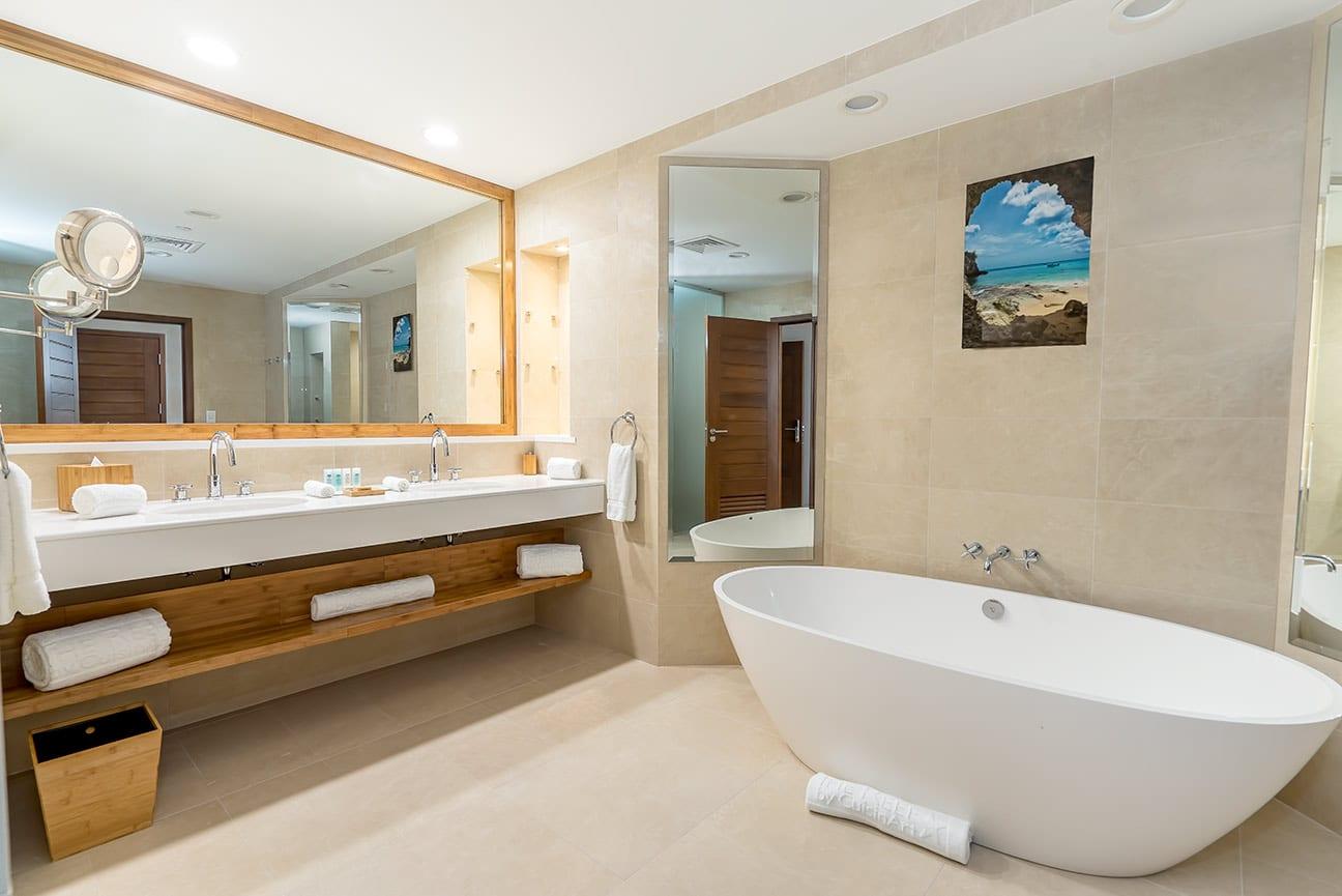 main-building-bathroom-fp