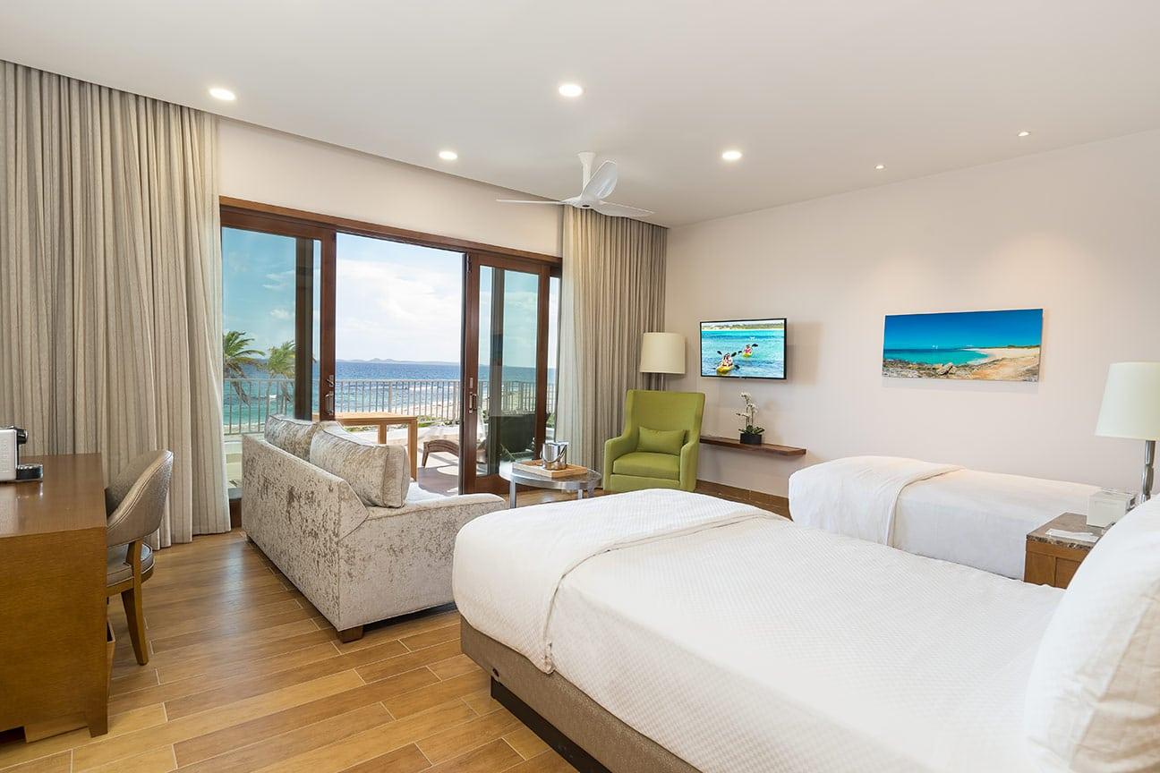 beachfront-double-bed-suite-fp