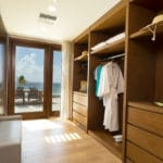 beachfront-suite-closet-fp